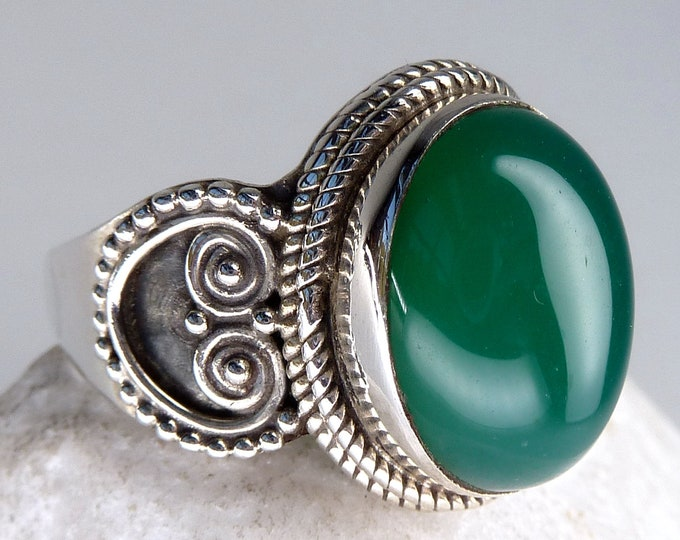 GREEN ONYX Filigree Lace Feature Ring Solid Silver (US 7 1/2) SilverSari YGR1067