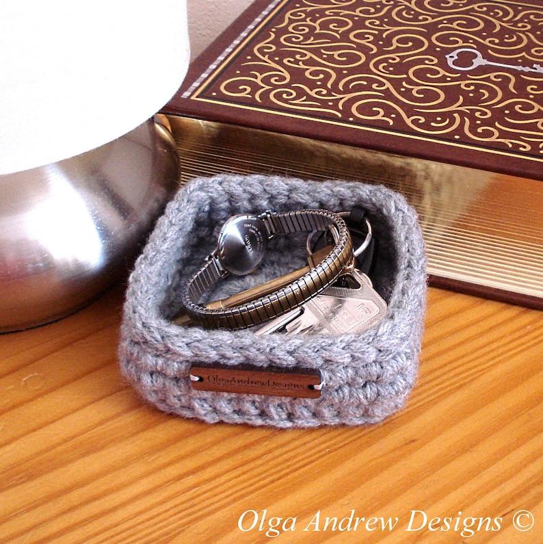 Mens nightstand jewelry holder, mens desktop jewellery tray, bedside  jewelry box, mens watch holder, key holder, ring dish,OlgaAndrewDesigns