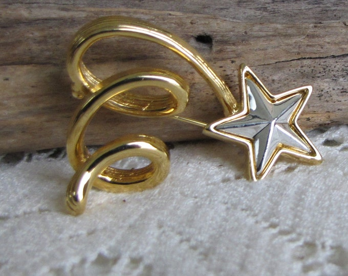 Anne Klein Star Brooch Gold Toned Lapel Pin Vintage Jewelry and Accessories