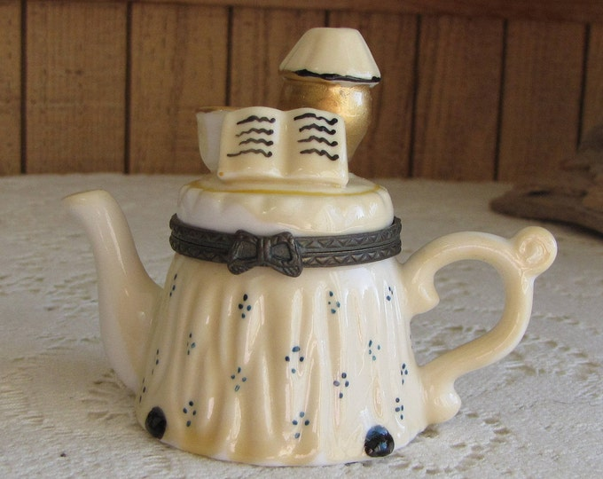 Trinket Box Ceramic Teapot Table Vintage Jewelry and Accessories Pill or Ring Boxes