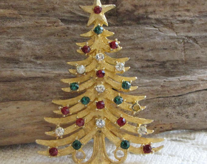 MyLu Christmas Tree Brooch Gold Toned Vintage Holiday Jewelry and Accessories