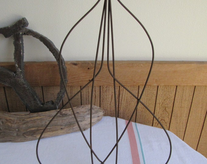 Rug Beater Antique Laundry and Cleaning Tools Farmhouse Rustic Decor