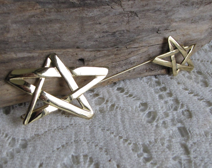 Large Gold Toned Dual Star Stick Pin Vintage Jewelry and Accessories