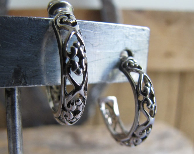 Hoop Earrings Silver Toned Cutout Scrolls Vintage Jewelry and Accessories
