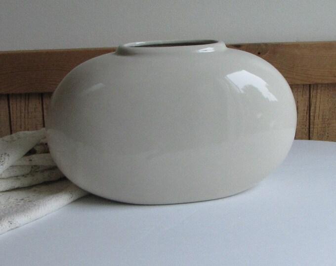 Vintage Haeger Pottery Cream Pottery Vase
