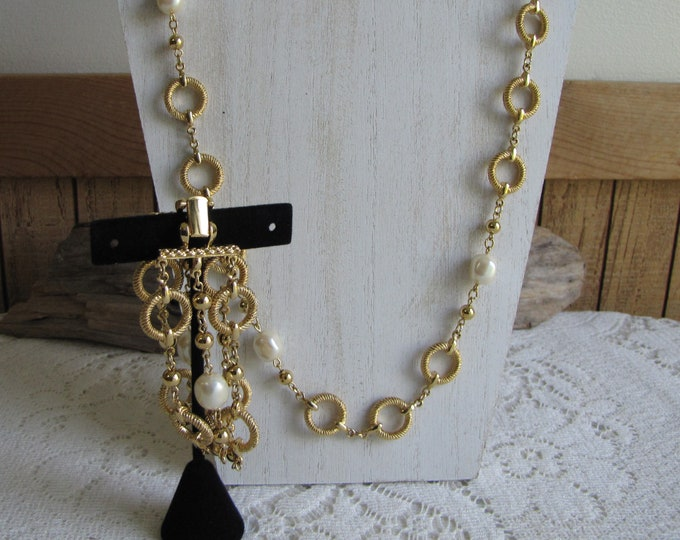 Gold Toned Circle and Pearls Long Necklace and Bracelet Set Vintage Jewelry and Accessories