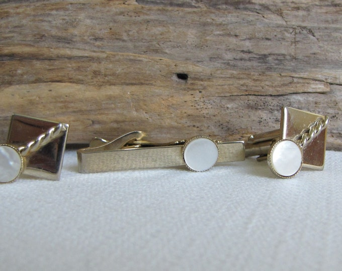 Gold Toned Cufflinks and Tie Clip Vintage Men's Jewelry and Accessories