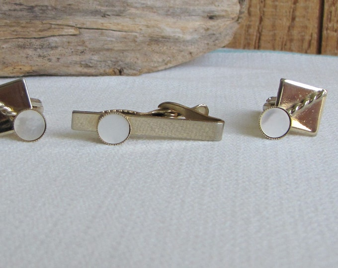 Cuff links and tie clip set gold toned Vintage Men's Jewelry and Accessories