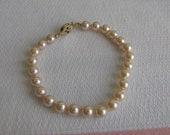 Marvella Faux Pearl Bracelet Vintage Jewelry and Accessories