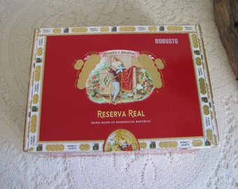 Romeo Y Julieta Cigar Box Red Papered Reserva Real Tobacconist Vintage Boxes