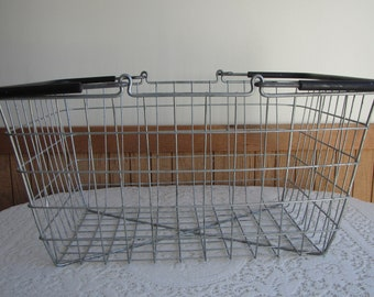 Wire Handled Basket Vintage Storage and Baskets