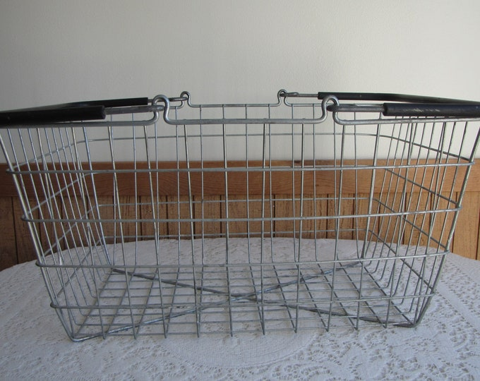 Wire Handled Basket Vintage Storage and Baskets Large Wired Baskets