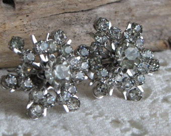 CORO snowflake earrings rhinestones and screw backs Vintage Holiday Jewelry and Accessories