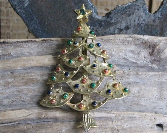Gerry's Christmas tree brooch gold toned Vintage Holiday Jewelry
