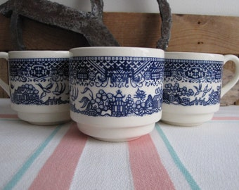 Blue Willow Coffee Cups Set of Three (3) Unique Pattern Vintage Dinnerware and Replacements