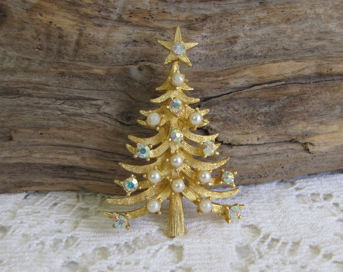 MyLu Christmas Tree Brooch Vintage Holiday Jewelry and Accessories