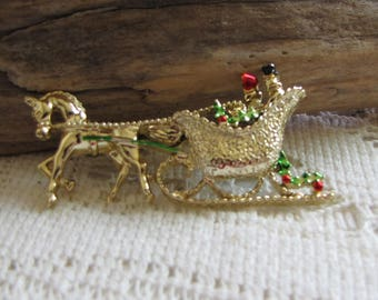 Gerry's Christmas Brooch Horse and Sleigh Gold Toned Pin Women's Holiday Vintage Jewelry and Accessories