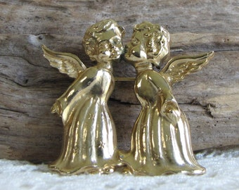 Treasure Masters Gold Toned Angels Brooch Vintage Christmas Jewelry and Accessories
