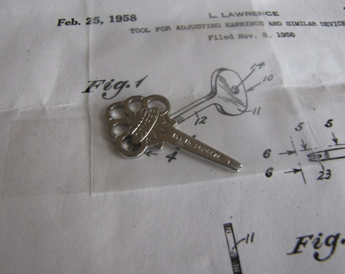 Comfee Key for Clip On Earrings Vintage Jewelry and Accessories