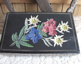 Vintage wood jewelry box floral carved