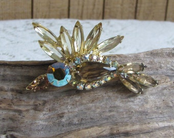 Glass Bird Brooch Vintage Jewelry and Accessories