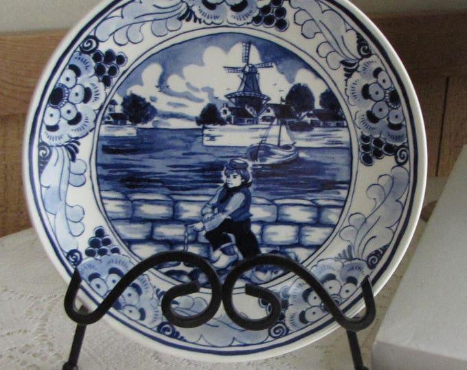 Hans Brinker Decorative Plate Dutch Blue Delft Holland Michigan 1982  Collectible Decorative Plates