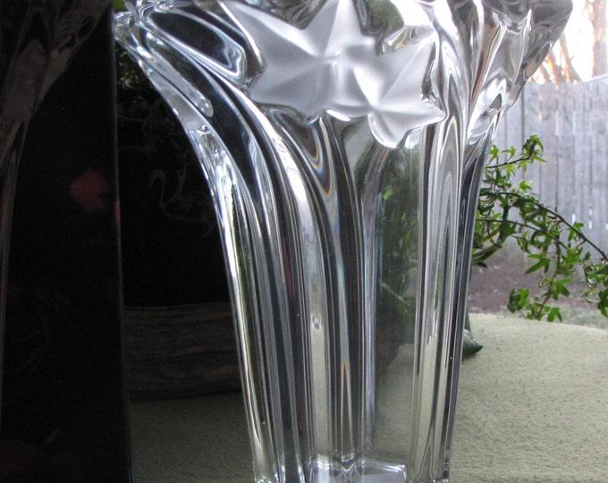 Vintage Mikasa Parisian Ivy Flower Vase Crystal Florist Ware