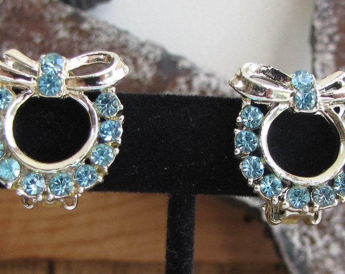 Rhinestone Wreath Earrings Blue and Silver Vintage Jewelry and Accessories