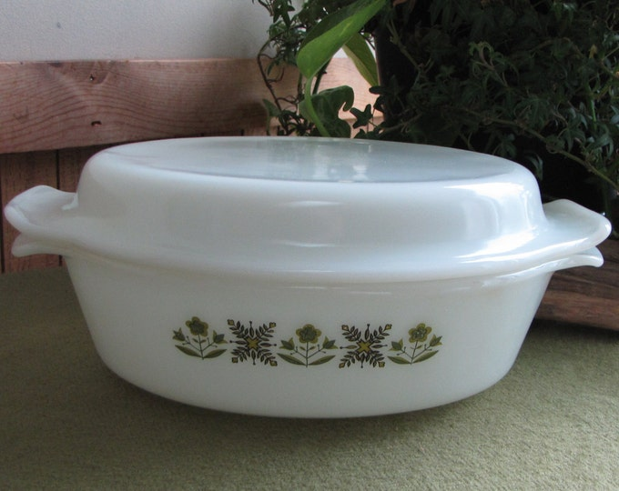 Fire King Meadow Green Oval Roaster Casserole Dish Anchor Hocking 1968-1976 Vintage Cook and Ovenware