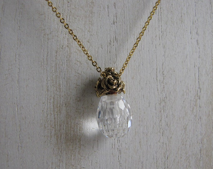 Avon Crystal and Gold Necklace Vintage Jewelry and Accessories