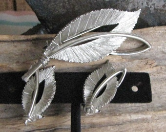 JJ Birch Leaf Brooch and Clip on Earrings Pewter Vintage Autumn Jewelry and Accessories