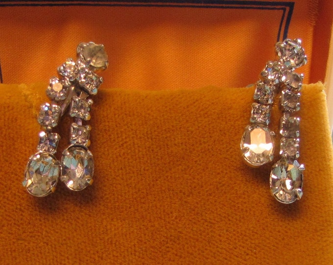 Dangle Rhinestone Earrings (Screw Backs) Vintage Jewelry and Accessories