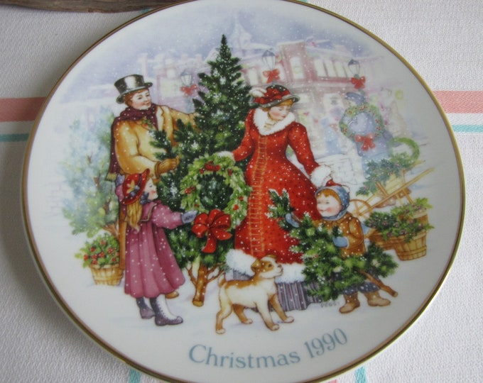 Avon Christmas Plate 1990 Vintage Holidays Decorations and Collectibles