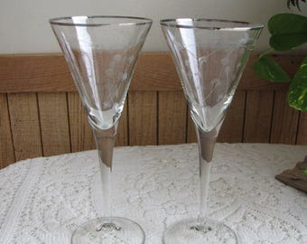 Etched Champagne Glasses Set of Two (2) Vintage Barware Etched Bleeding Hearts