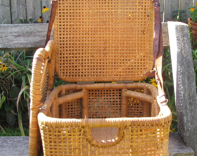 Fishing Chair Vintage Outdoor Rattan Canoe or Fisherman's Chair and Basket