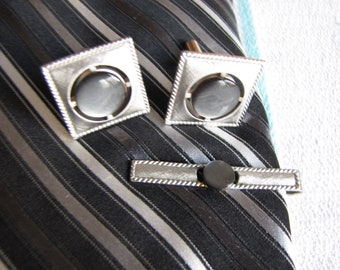 Swank silver toned cuff links and tie bar Vintage Men's Jewelry and Accessories