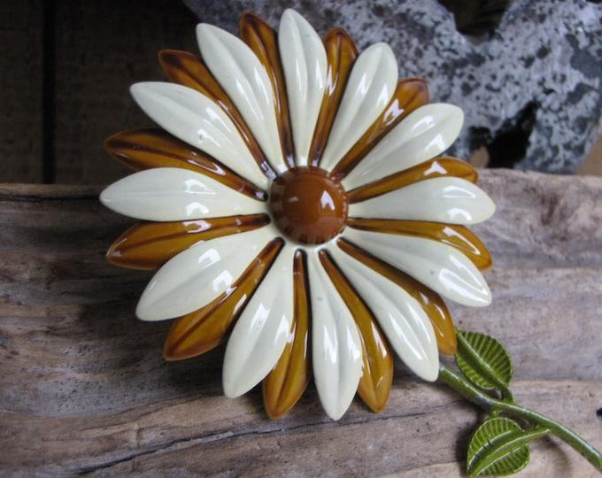 Brown Metal Flower Brooch Vintage Jewelry and Accessories