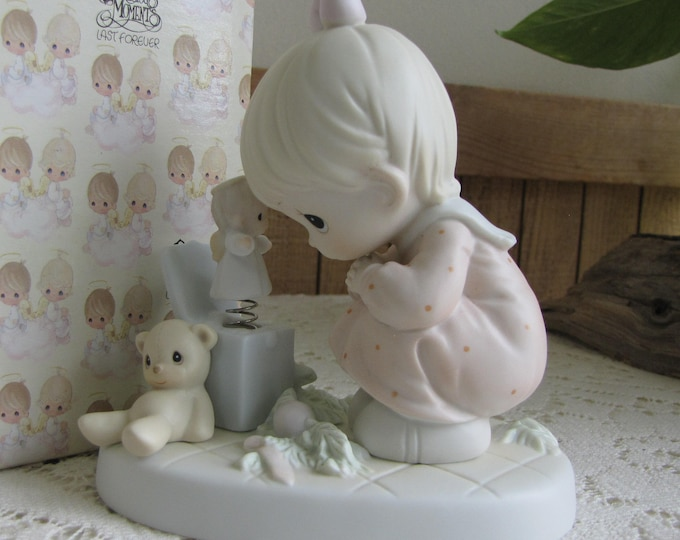 Precious Moments Just Poppin' In To Say Halo! Figurine Heart 1996 Symbol Retired