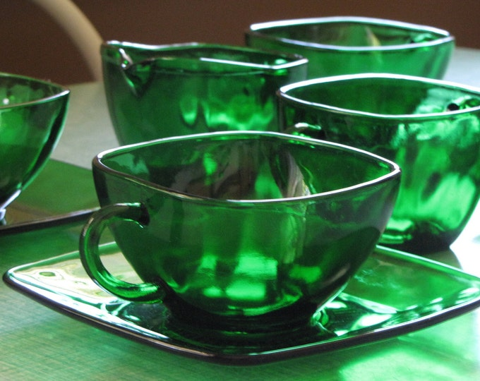 Charm Green Cups and Saucers with Cream and Sugar Set Anchor Hocking 1950-1954 Set of 4 10 pieces Vintage Dinnerware and Accessories