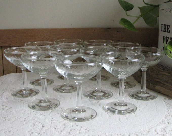Vintage Diana Champagne Glasses Federal Glass Co. 1937-1941 Depression Glass Barware Set of Eleven (11) Barware and Partyware