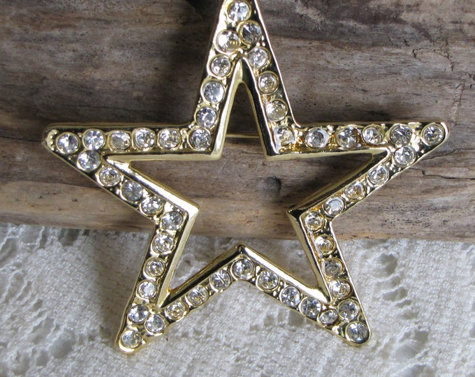 Large Gold Toned Star Brooch with Rhinestones Vintage Jewelry and Accessories