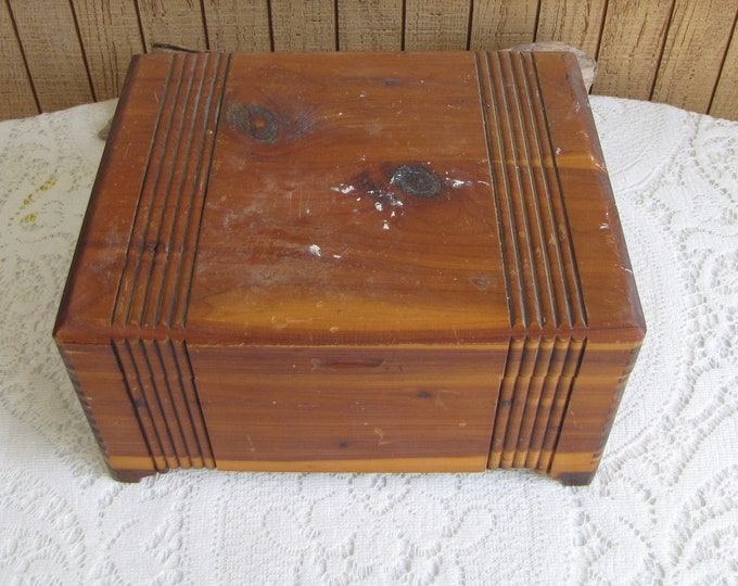 Old Cedar Box Vintage Boxes and Organizers Jewelry and Trinket Box