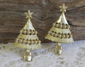 Gold Toned Christmas Tree Earrings (Pierced) Vintage Holiday Jewelry and Accessories