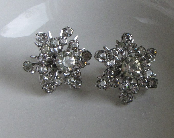 CORO Rhinestone Snowflake Earrings Screw on Backs Vintage Holiday Jewelry and Accessories