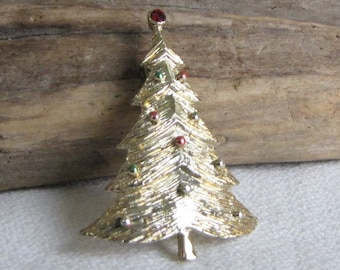 B.J. Christmas tree brooch gold toned Beatrix Jewelry 1970s Vintage Holiday Brooches and Accessories