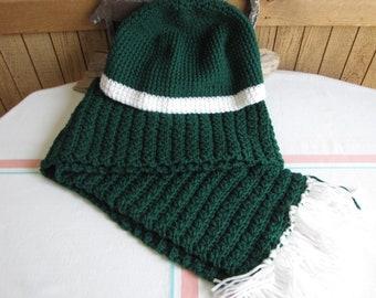 Crocheted winter scarf set Christmas green 100% acrylic yarn