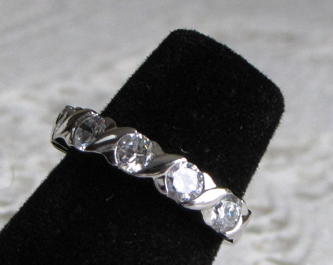 Sterling silver and cubic zirconia ring Vintage Jewelry and Accessories