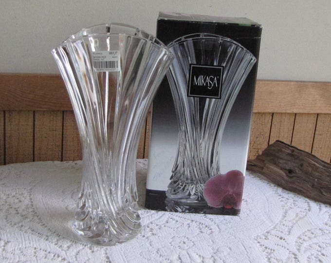 Mikasa Flores Crystal Vase Vintage Florist Ware and Floral Bouquets
