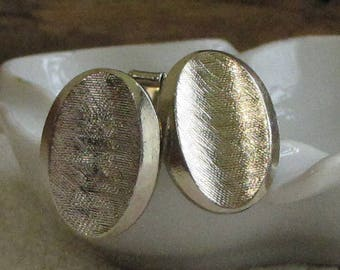 Brushed Gold Toned Cufflinks Men's Vintage Jewelry and Accessories Formal Wear