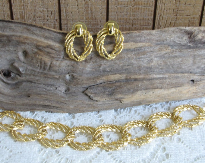 Concentric Circles Bracelet and Earrings Set Gold Toned Vintage Jewelry and Accessories